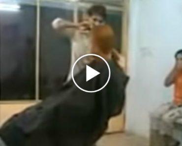 O Barbeiro Impaciente, Hilariante!!! 7