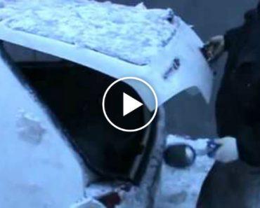 O Método Mais Louco Para Remover Neve Do Carro! 7