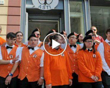 Jovens Com Síndrome De Down Gerem Hotel Italiano 7