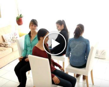 4 Jovens Sentam-se De Forma Estranha, Mas Quando Retiram As Cadeiras, Algo Surpreendente Acontece 8