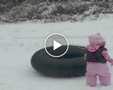 O Objetivo Era Filmar a 1ª Vez Da Sua Bebé Na Neve, Mas Veja o Que Acontece A Seguir 8