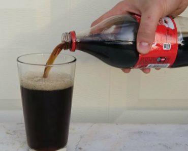 Sabe o Que Acontece Quando Se Mistura Coca-Cola e Lixívia? 1