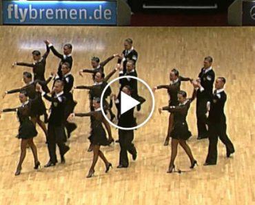 Grupo De Bailarinos Arrasa Com Incrível Performance 1