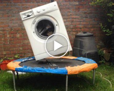 Sabe o Que Acontece Se Colocar Uma Máquina Lavar Com Um Tijolo Dentro Em Cima De Um Trampolim? 1