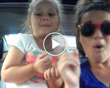"""Mãe e Filha Encantam a Cantar o Tema Do Filme """"Frozen"""" e Fazem Sucesso Na Internet 6"""
