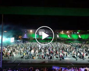 Nirvana Tocado Por 1200 Músicos Em Simultâneo, Um Momento Que Não Vai Querer Perder 7