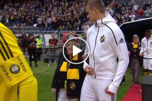 Equipa De Futebol Entra Em Campo Com Idosos Em Vez De Crianças 10