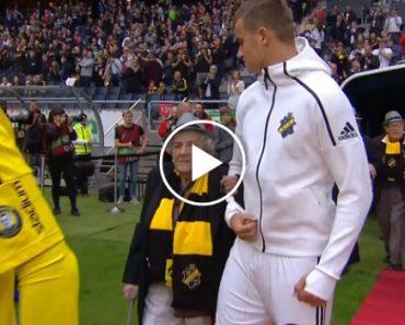 Equipa De Futebol Entra Em Campo Com Idosos Em Vez De Crianças 5