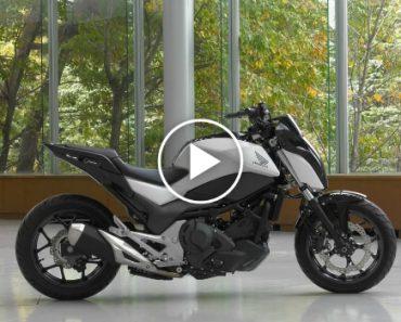 Honda Apresenta Motorizada Com Equilíbrio Automático e Capaz De Andar Sozinha 9