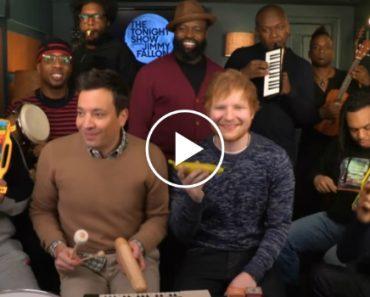 """Ed Sheeran e Jimmy Fallon Criam Nova Versão De """"Shape of You"""" Utilizando Instrumentos Infantis 9"""