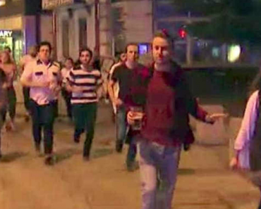 Homem Tenta Salvar Cerveja Durante Atentados e Torna-se Símbolo Da Resistência Londrina 9