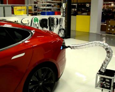 Tesla Cria Protótipo De Carregador Automático Para Os Seus Carros 9
