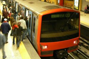 Jovem Português Faz Corrida Contra o Metro Em Lisboa 9