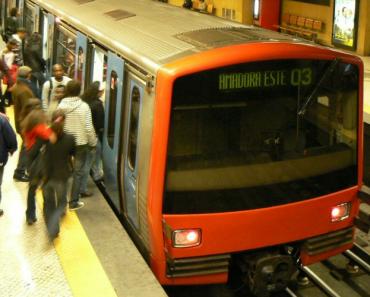 Jovem Português Faz Corrida Contra o Metro Em Lisboa 2