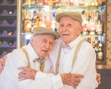 Fantástica Sessão Fotográfica Regista o Companheirismo De Dois Irmãos Gémeos Com 97 Anos 7