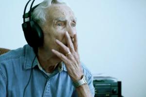 Viúvo De 96 Anos Compõe Musica Em Homenagem à Sua Falecida Esposa 10