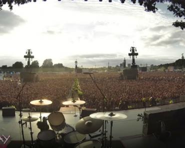 """65 Mil Fãs Proporcionam Incrível Momento Ao Cantarem """"Bohemian Rhapsody"""" a Uma Só Voz 7"""