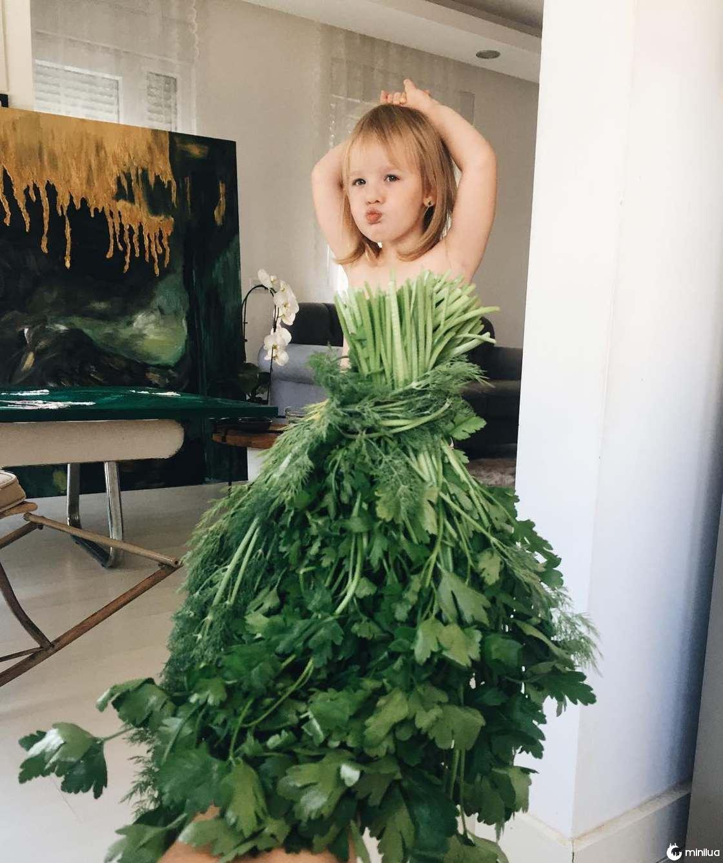 Mãe e Filha De 3 Anos Fazem Sucesso No Instagram Com Os Seus Criativos Vestidos 11