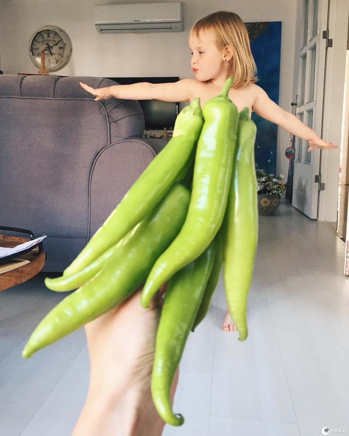 Mãe e Filha De 3 Anos Fazem Sucesso No Instagram Com Os Seus Criativos Vestidos 5