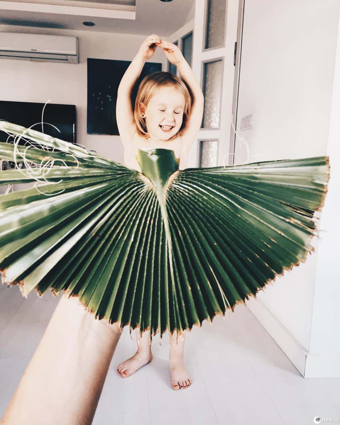 Mãe e Filha De 3 Anos Fazem Sucesso No Instagram Com Os Seus Criativos Vestidos 7