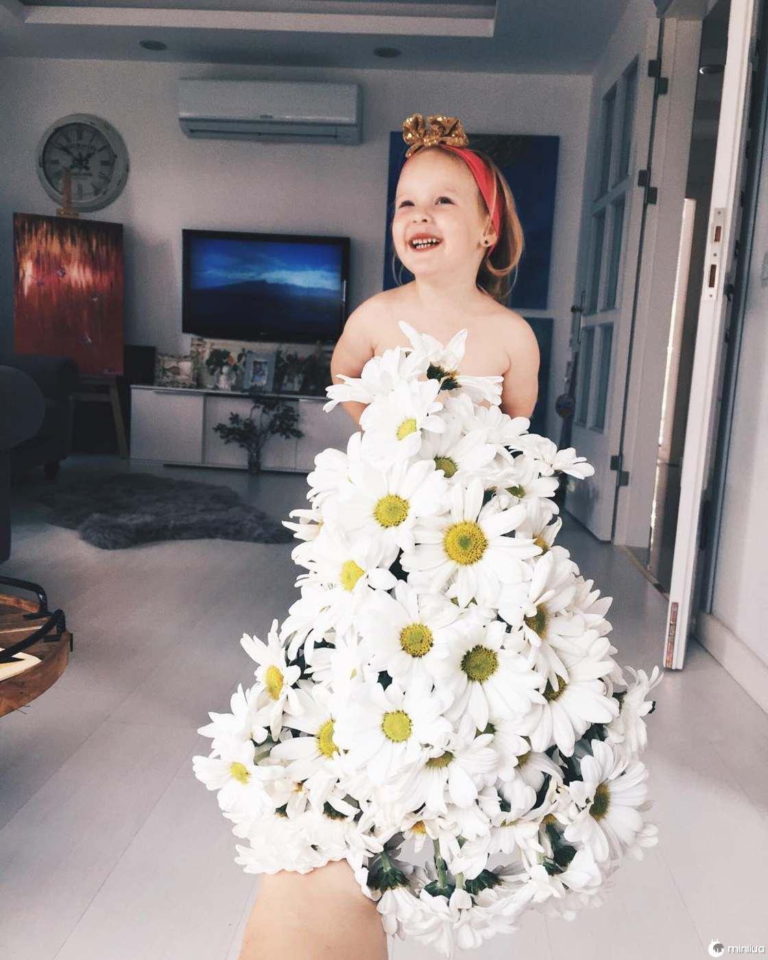 Mãe e Filha De 3 Anos Fazem Sucesso No Instagram Com Os Seus Criativos Vestidos 8