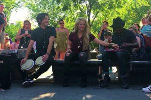 """Shakira Canta """"Chantaje"""" Em Concerto Surpresa Na Rua Para Os Fãs 10"""
