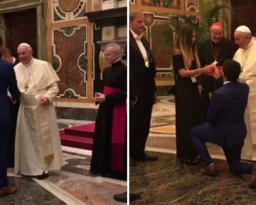 Pediu a Namorada Em Casamento Em Frente Ao Papa Francisco 3