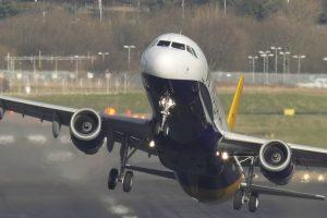 Aterragens e Descolagens Que Mostram a Incrível Capacidade Que Os Pilotos Têm 10