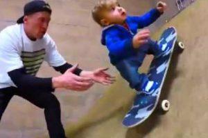 Este Bebé Mal Sabe Andar Pelo Seu Próprio Pé, Mas Já é Um Profissional No Skate! 9