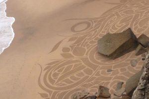 Azenhas Do Mar Em Sintra Acordou Com Desenhos Misteriosos Na Areia 9
