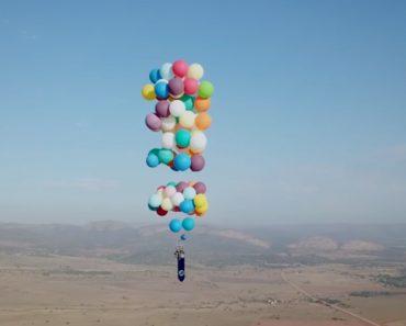 Cumpriu Sonho e Voou Céus Da África Do Sul Numa Cadeira Preso a 100 Balões 4