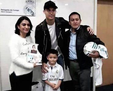 Ronaldo Recebeu Pais Do Pequeno Fã Que Faleceu No Sismo Do México 7