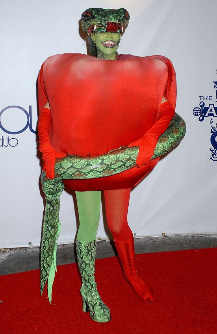 18 Fantasias Que Provam Que Ninguém Ama Mais o Halloween Do Que Heidi Klum 7