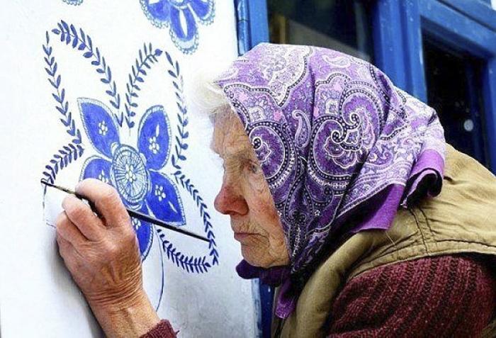 Idosa De 90 Anos Dedica-se a Dar Vida Às Paredes Da Sua Cidade 3
