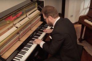 Musico Mostra Como Evoluiu a Música Desde 1680 Até Aos Dias De Hoje Tocando Apenas Um Piano 10