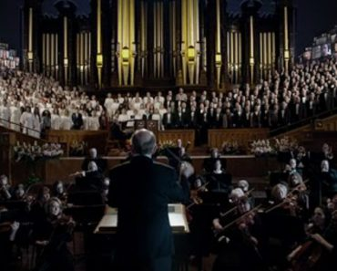 """Isto é o Que Acontece Quando Mais De 2000 Pessoas Se Juntam Para Cantar """"Aleluia"""" 7"""