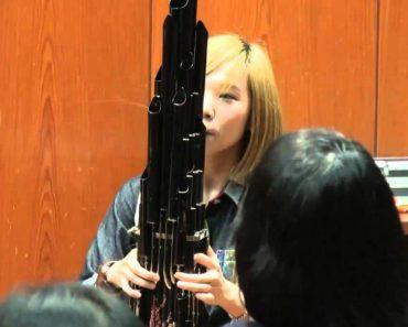 Jovem Toca Tema Do Super Mario Num Instrumento Com 3000 Anos 9