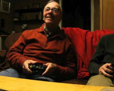 Neto Convida Avô De 84 Anos Para Jogar Consola, e o Resultado é Hilariante 3