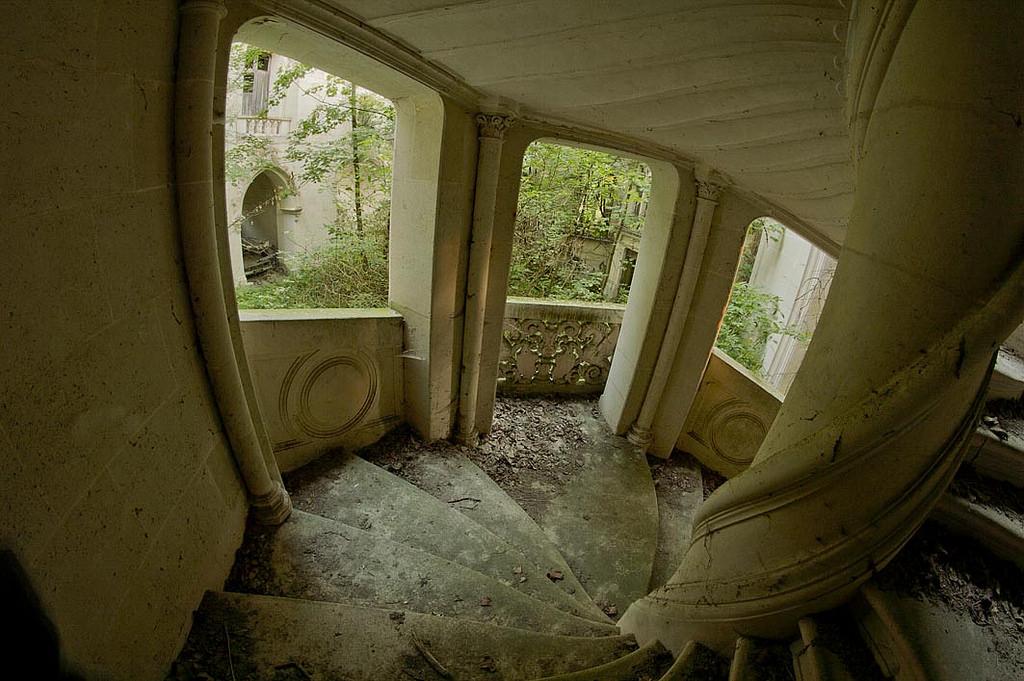 Castelo Abandonado é Comprado Por 6500 Internautas 3