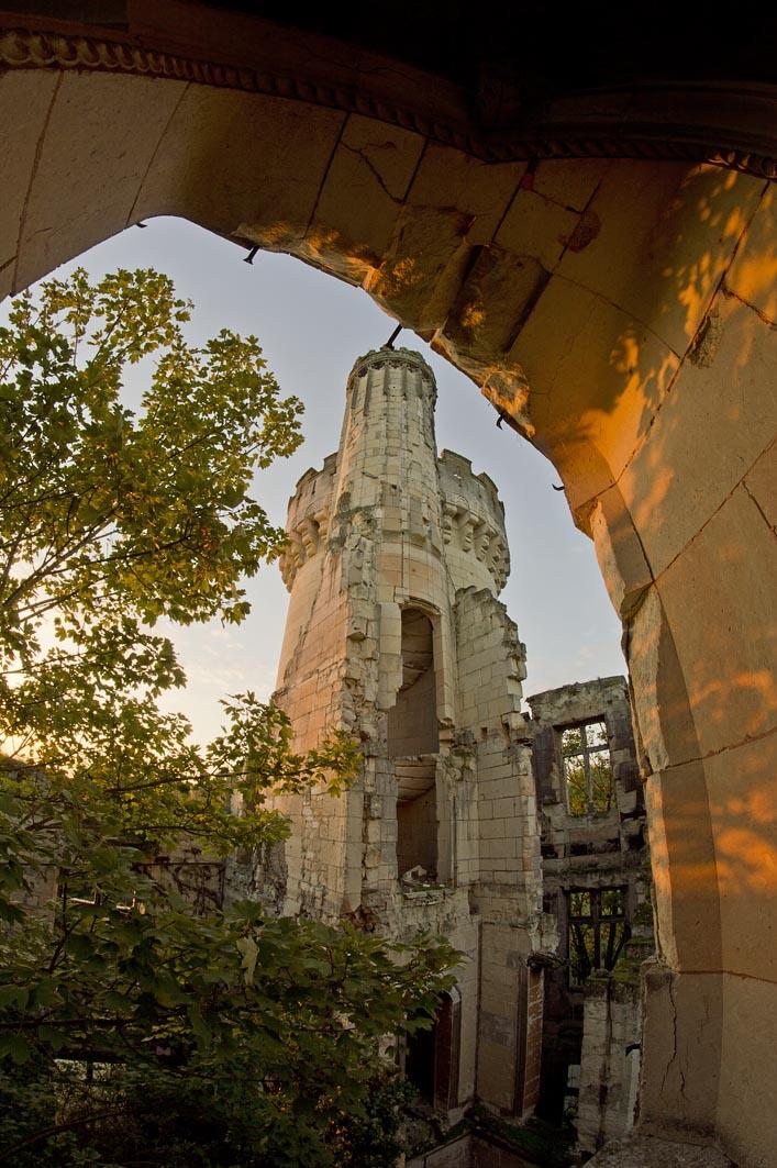 Castelo Abandonado é Comprado Por 6500 Internautas 4