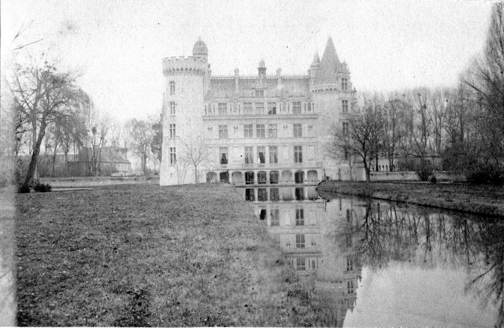 Castelo Abandonado é Comprado Por 6500 Internautas 8
