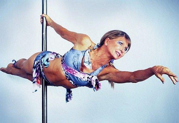 Começou Pole Dance Aos 59 Anos, Agora Aos 67 é 5 Vezes Campeã Do Mundo 2