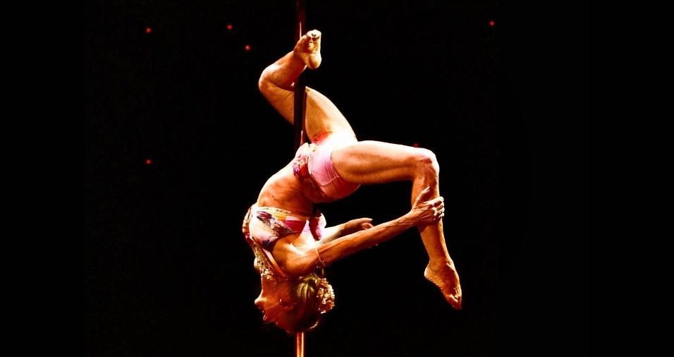 Começou Pole Dance Aos 59 Anos, Agora Aos 67 é 5 Vezes Campeã Do Mundo 3
