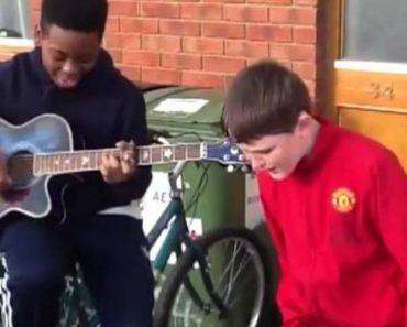 Dois Miúdos Irlandeses Juntaram-se Para Cantar Rihanna e o Resultado é Maravilhoso 5