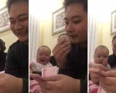 Bebé Ri Perdidamente Sempre Que o Pai Conta Dinheiro 3