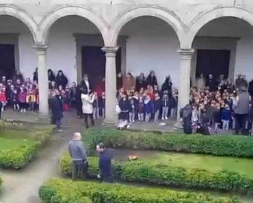 Polémica Com Crianças Incentivadas a Cantar Para Presidente De Guimarães 1