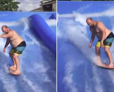 Pai Tem Atrapalhada Experiência Ao Usar Simulador De Surf Pela Primeira Vez 3