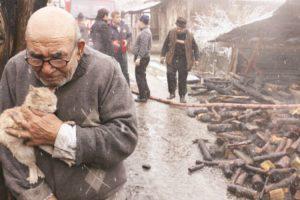 Este Homem Perdeu Tudo Num Incêndio, Mas Conseguiu Salvar o Animal De Estimação 10