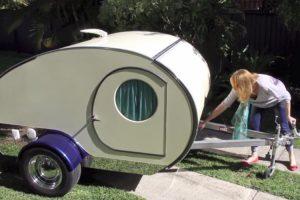 A Caravana Que Parece Minúscula Mas Surpreende Ao Descobrir o Seu Interior 9