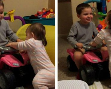 Menino Tenta Ajudar Irmã Bebé a Dar Primeiros Passos 6